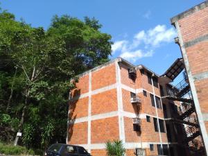 Apartamento En Ventaen Valencia, Las Chimeneas, Venezuela, VE RAH: 20-20382