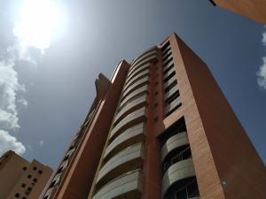 Apartamento En Ventaen Valencia, La Trigaleña, Venezuela, VE RAH: 20-20389