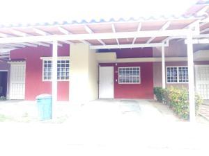 Casa En Ventaen Guatire, Canaima Uno, Venezuela, VE RAH: 20-20450