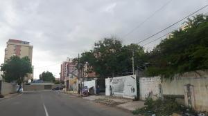 Terreno En Ventaen Maracaibo, Avenida Bella Vista, Venezuela, VE RAH: 20-20404
