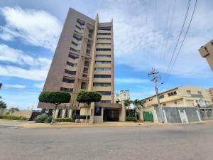 Apartamento En Ventaen Maracaibo, Dr Portillo, Venezuela, VE RAH: 20-20419