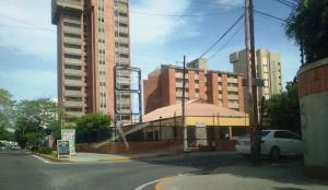 Local Comercial En Alquileren Maracaibo, Calle 72, Venezuela, VE RAH: 20-18664