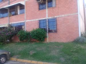 Apartamento En Ventaen Guatire, El Marques, Venezuela, VE RAH: 20-20518