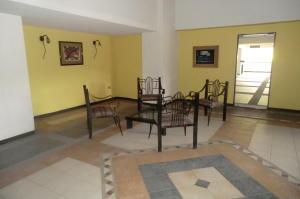 Apartamento En Ventaen Guarenas, Las Islas, Venezuela, VE RAH: 20-20544