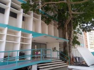 Edificio En Alquileren Maracaibo, La Lago, Venezuela, VE RAH: 20-20550