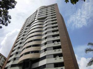 Apartamento En Ventaen Valencia, Valles De Camoruco, Venezuela, VE RAH: 20-20598
