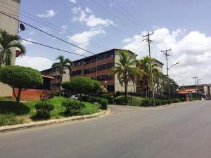 Apartamento En Ventaen Guarenas, Terrazas Del Este, Venezuela, VE RAH: 20-20640