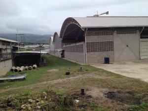Local Comercial En Ventaen Charallave, Rio Tuy, Venezuela, VE RAH: 20-20668