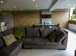 Apartamento En Ventaen Caracas, Lomas De Prados Del Este, Venezuela, VE RAH: 20-20688