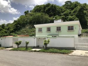 Casa En Ventaen Caracas, El Cafetal, Venezuela, VE RAH: 20-20691
