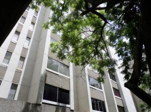 Apartamento En Ventaen Caracas, Los Palos Grandes, Venezuela, VE RAH: 20-21936