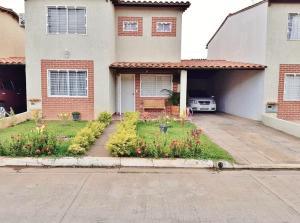 Casa En Ventaen El Tigre, Pueblo Nuevo Sur, Venezuela, VE RAH: 20-20723