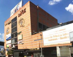 Local Comercial En Ventaen Guatire, Vega Arriba, Venezuela, VE RAH: 20-21843