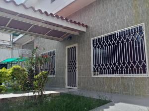 Casa En Ventaen Maracay, La Cooperativa, Venezuela, VE RAH: 21-9848