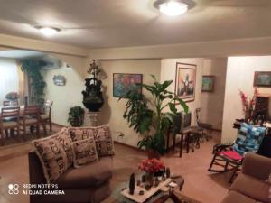 Apartamento En Ventaen Maracaibo, Avenida Goajira, Venezuela, VE RAH: 20-20754