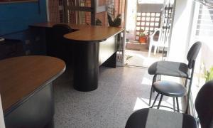 Oficina En Ventaen Maracaibo, Las Mercedes, Venezuela, VE RAH: 20-20759