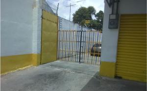 Local Comercial En Ventaen Valencia, San Blas, Venezuela, VE RAH: 20-20766