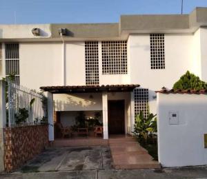 Casa En Ventaen Barquisimeto, Club Hipico Las Trinitarias, Venezuela, VE RAH: 20-20802