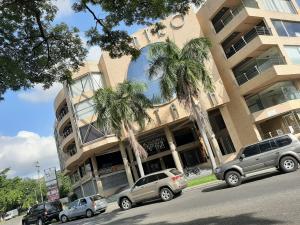 Local Comercial En Alquileren Valencia, El Viñedo, Venezuela, VE RAH: 20-21165