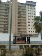 Apartamento En Ventaen Parroquia Caraballeda, Camuri Chico, Venezuela, VE RAH: 20-20803