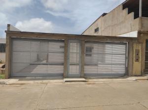 Casa En Ventaen Ciudad Bolivar, Sector Marhuanta, Venezuela, VE RAH: 20-20855