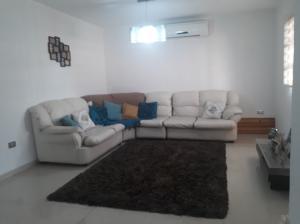 Casa En Ventaen Turmero, La Mantuana, Venezuela, VE RAH: 20-20852