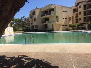Apartamento En Ventaen Rio Chico, Los Canales De Rio Chico, Venezuela, VE RAH: 20-20848