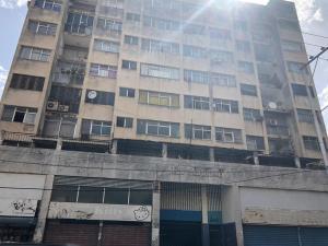 Apartamento En Ventaen Valencia, Centro, Venezuela, VE RAH: 20-20853