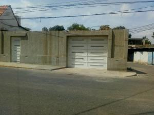 Casa En Ventaen Maracaibo, Valle Frio, Venezuela, VE RAH: 20-20880