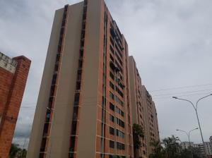 Apartamento En Ventaen Maracay, Bosque Alto, Venezuela, VE RAH: 20-20882