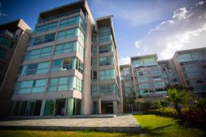 Apartamento En Ventaen Caracas, Lomas Del Sol, Venezuela, VE RAH: 20-20915