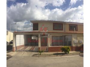 Townhouse En Ventaen Maracay, Los Girasoles, Venezuela, VE RAH: 20-21015