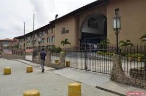 Local Comercial En Ventaen San Antonio De Los Altos, Las Salias, Venezuela, VE RAH: 20-20895