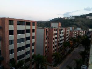 Apartamento En Ventaen Caracas, Los Naranjos Humboldt, Venezuela, VE RAH: 20-20912