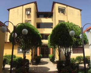 Apartamento En Alquileren Turmero, Villas Del Carmen, Venezuela, VE RAH: 20-20956