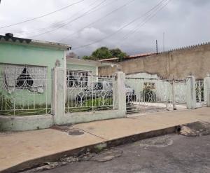 Casa En Ventaen Maracay, Zona Centro, Venezuela, VE RAH: 20-20978