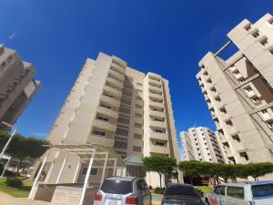 Apartamento En Alquileren Maracaibo, Avenida Milagro Norte, Venezuela, VE RAH: 20-21064