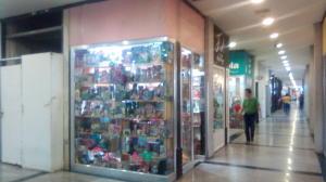 Local Comercial En Ventaen Maracay, Zona Centro, Venezuela, VE RAH: 20-21893
