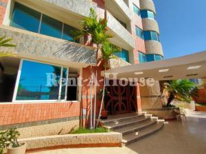Apartamento En Alquileren Maracaibo, Avenida El Milagro, Venezuela, VE RAH: 20-21154