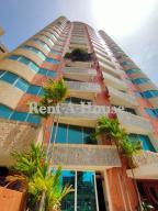 Apartamento En Ventaen Maracaibo, Avenida El Milagro, Venezuela, VE RAH: 20-21156