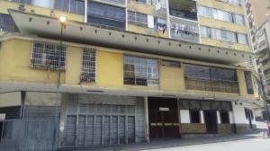 Apartamento En Ventaen Caracas, Parroquia Altagracia, Venezuela, VE RAH: 20-21194