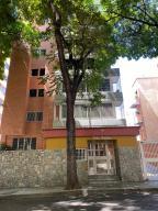 Apartamento En Ventaen Caracas, Los Chaguaramos, Venezuela, VE RAH: 20-21173