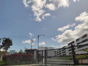 Apartamento En Ventaen Los Teques, El Solar De La Quinta, Venezuela, VE RAH: 20-16238