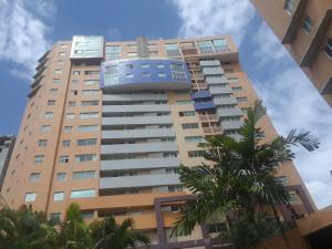 Apartamento En Ventaen Valencia, La Trigaleña, Venezuela, VE RAH: 20-21208