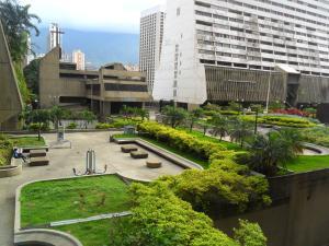 Apartamento En Ventaen Caracas, Parque Central, Venezuela, VE RAH: 20-21231