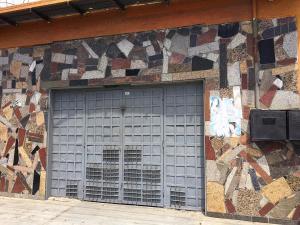 Local Comercial En Alquileren Guatire, Guatire, Venezuela, VE RAH: 20-21305