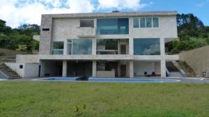 Casa En Ventaen Caracas, La Lagunita Country Club, Venezuela, VE RAH: 20-21306