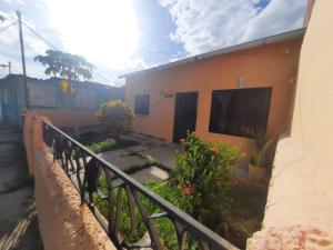 Casa En Ventaen Valencia, Fundacion Mendoza, Venezuela, VE RAH: 20-21348