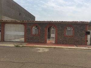Casa En Ventaen Maracaibo, Maranorte, Venezuela, VE RAH: 20-21374