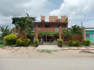 Edificio En Ventaen Barquisimeto, Parroquia El Cuji, Venezuela, VE RAH: 20-21385